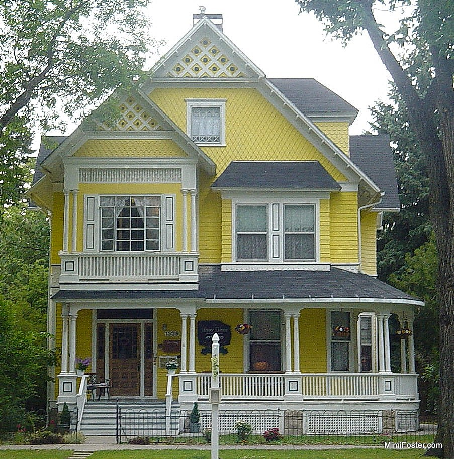 Painted ladies in downtown colorado springs colorado for Victorian home builders